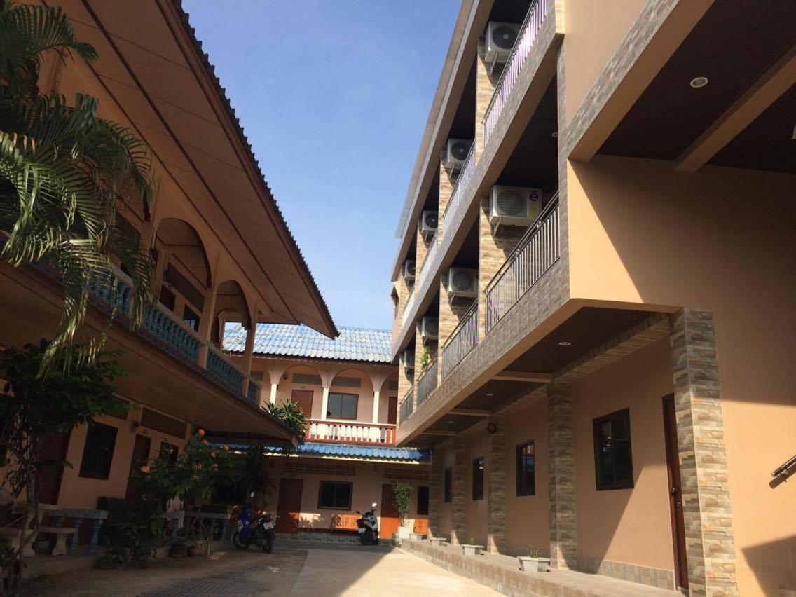 Guest Houses In Ban Nai Na Koh Samui