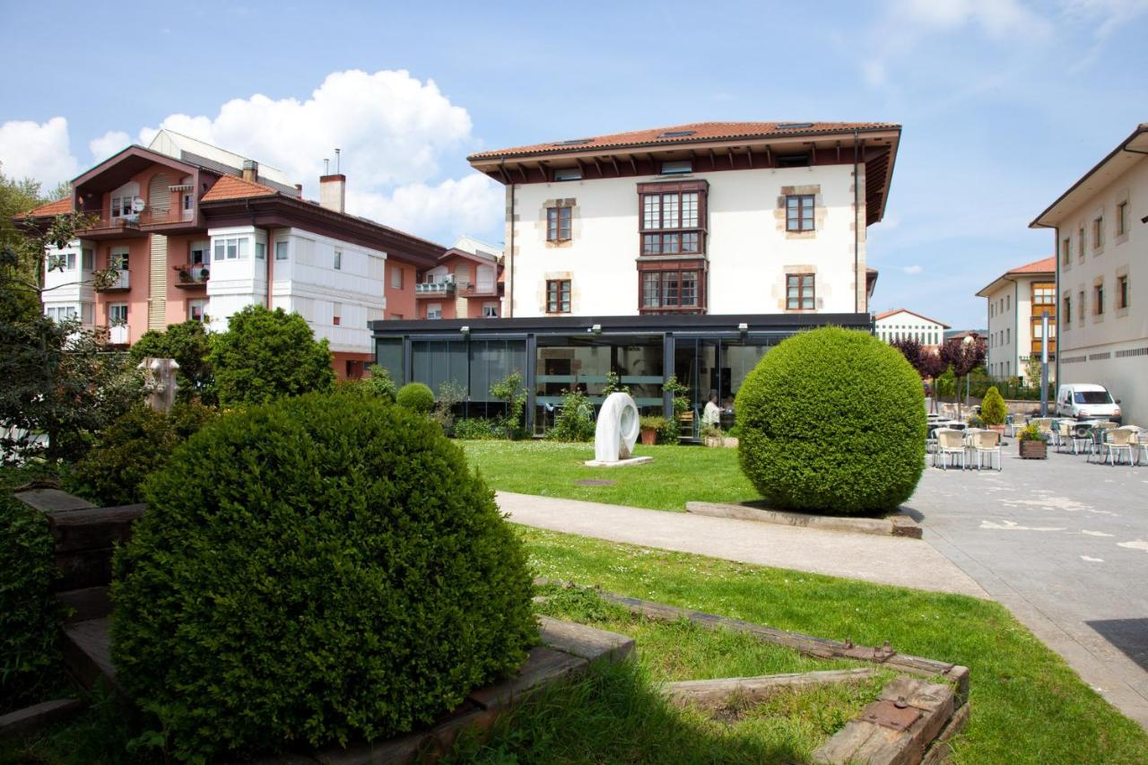 Hotels In Luquiano Basque Country