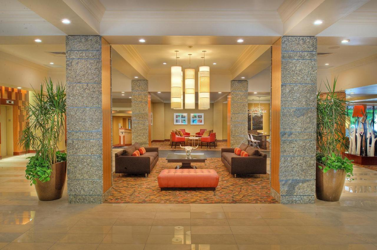 DoubleTree Hotel St Louis, Chesterfield, MO - Booking.com