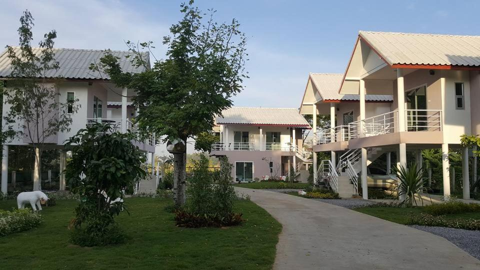 Guest Houses In Ban Nikhom Sang Ton Eng Lop Buri Lopburi Province