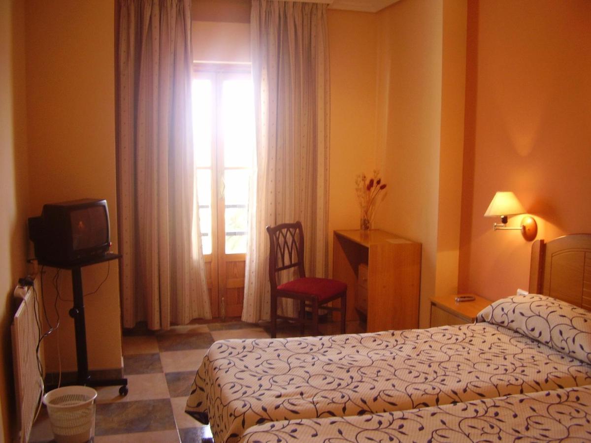 Hotels In Torre De Santa María Extremadura