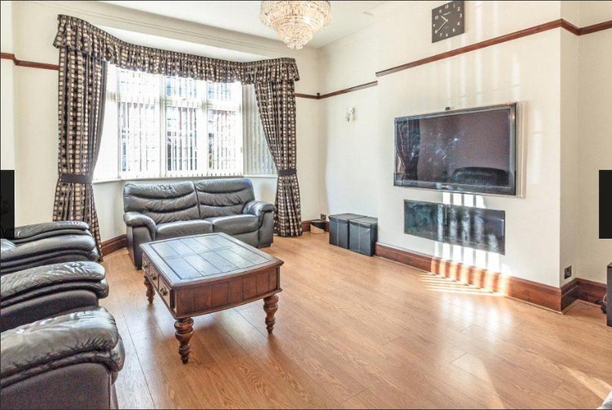 Holiday Home Jesmond 6BR House Newcastle Upon Tyne UK