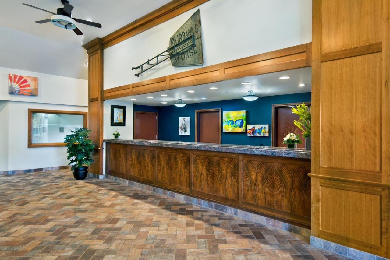 Hotel Oxford Suites Hermiston, OR - Booking.com
