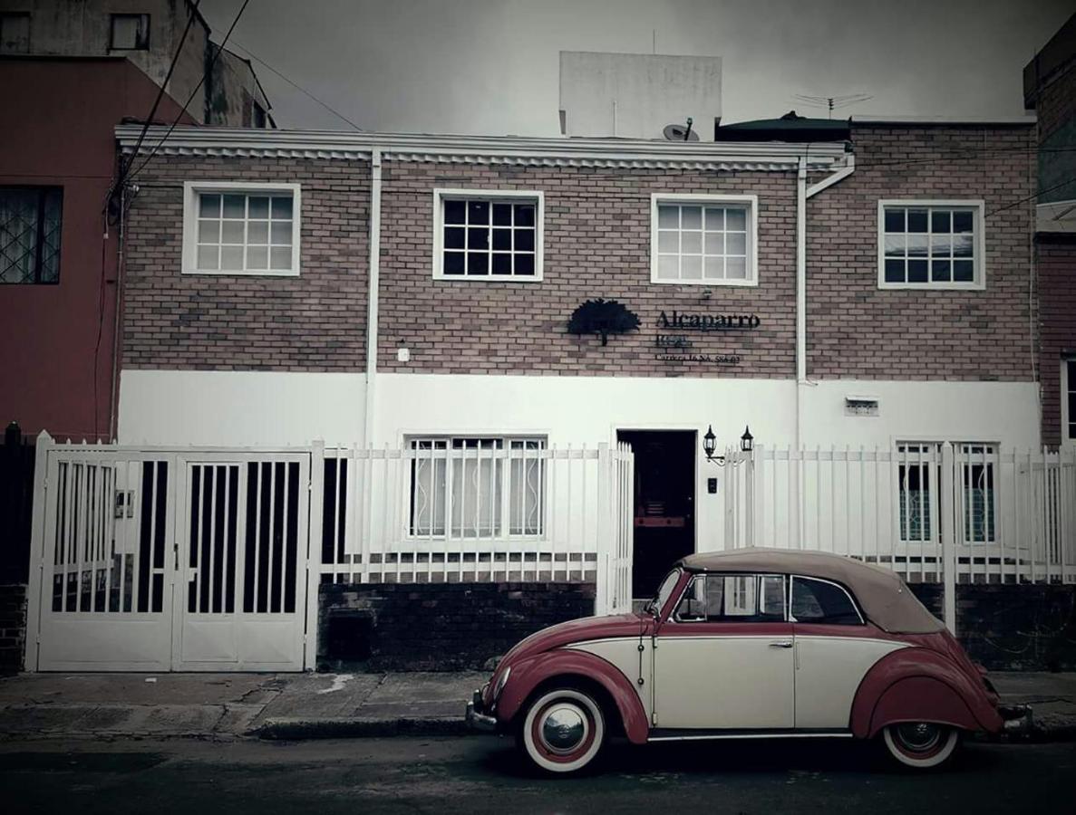 Guest Houses In Calderón Tejada