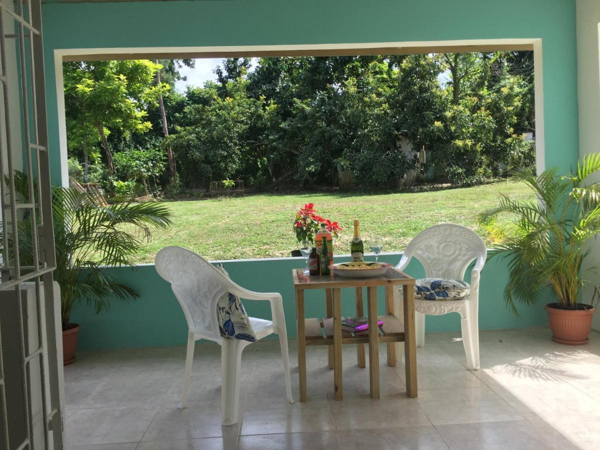 Garden Apartment-Walk to the Beach (Jamaika Runaway Bay) - Booking.com