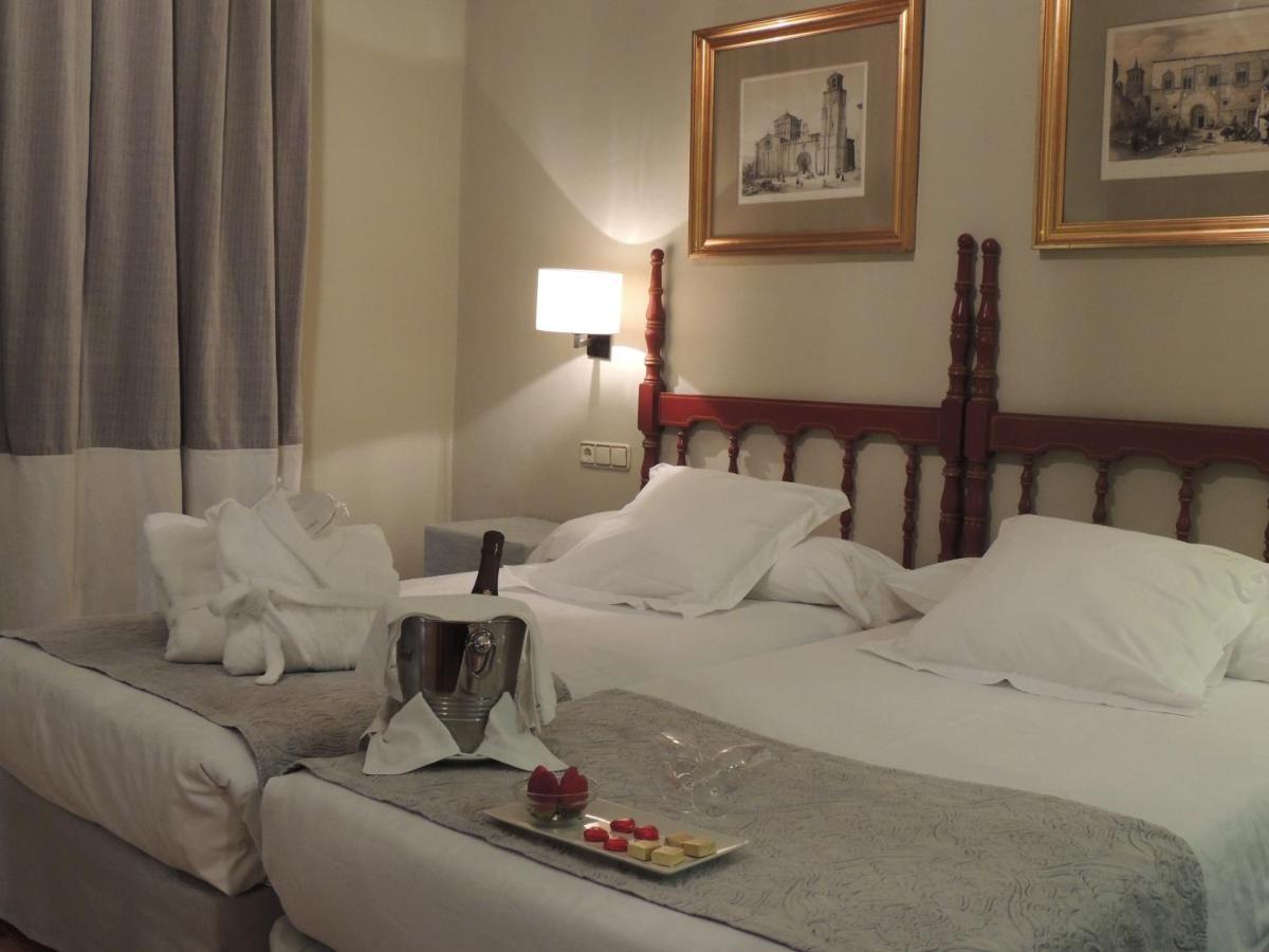 Hotels In Peleagonzalo Castile And Leon