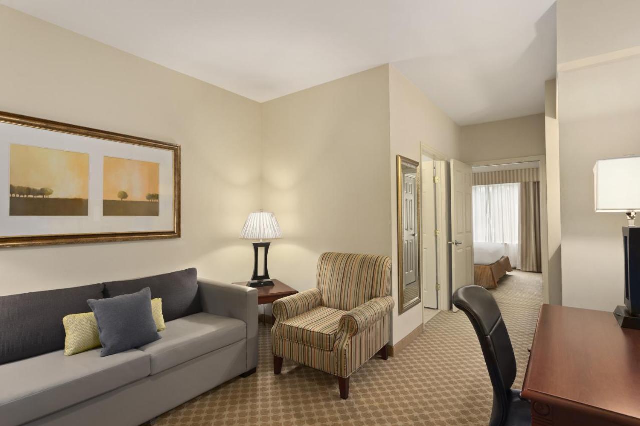 Hotel Country Saraland, AL - Booking.com