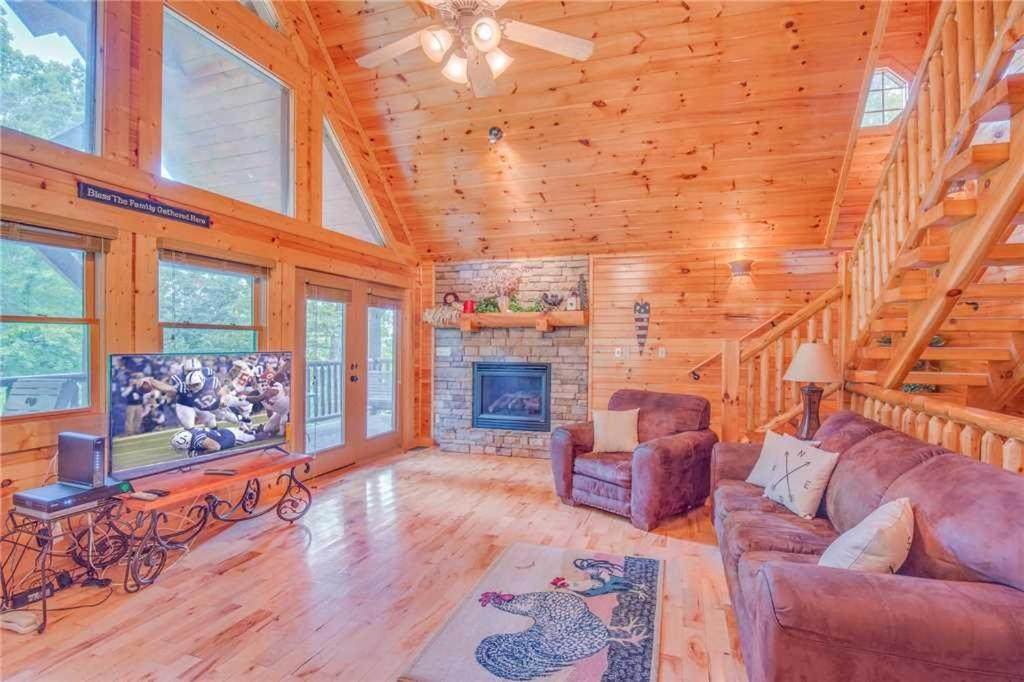 Hemlock Manor- Three-Bedroom Cabin, Gatlinburg – Updated 2018 Prices