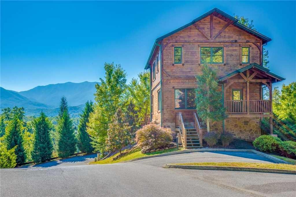 Vacation Home Heaven\'s View- Two-Bedroom Cabin, Gatlinburg, TN ...