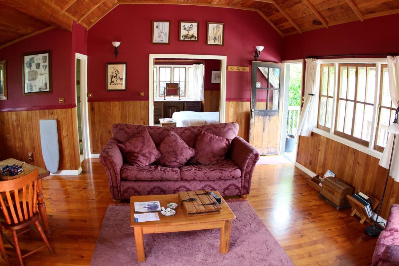 vineyard cottages kumeu waimauku new zealand booking com