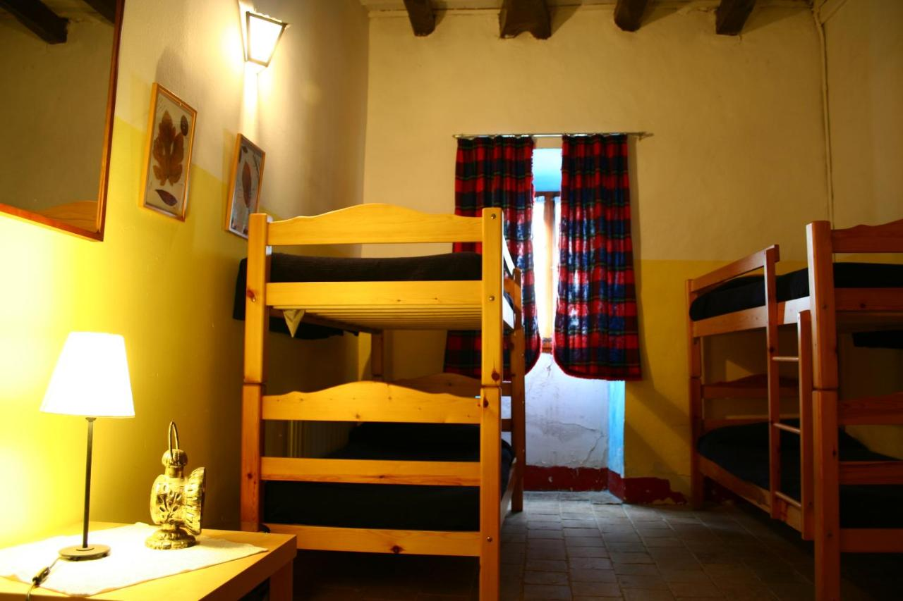 Hostels In San Quírico Safaja Catalonia