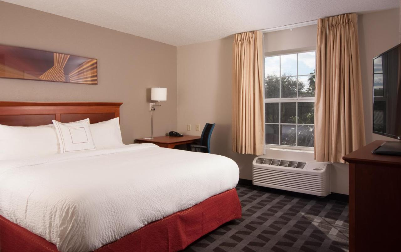 Hotels In Monarch Florida