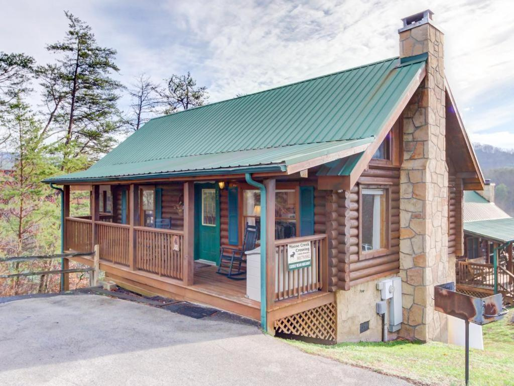 vacation unit cabins bear vacasa forge pigeon in rental pet friendly running bd cabin tn under