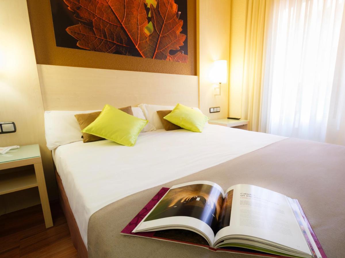 Hotels In Azuelo Navarre