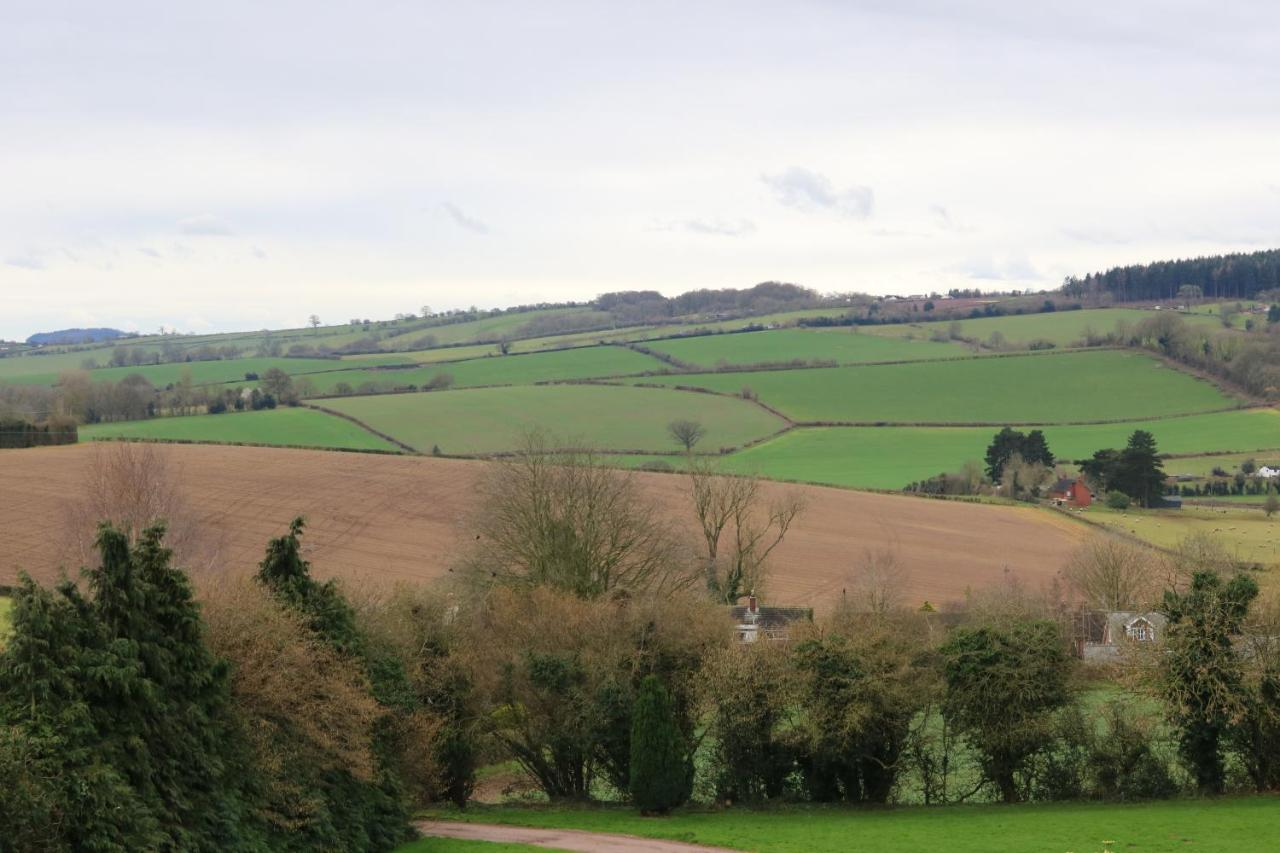 Hotels In Rowlstone Herefordshire