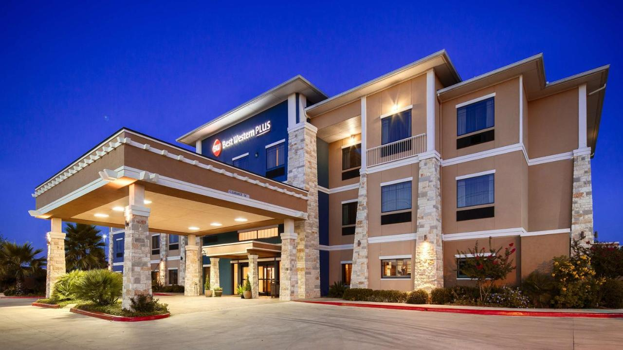 Hotels In Lytle Texas
