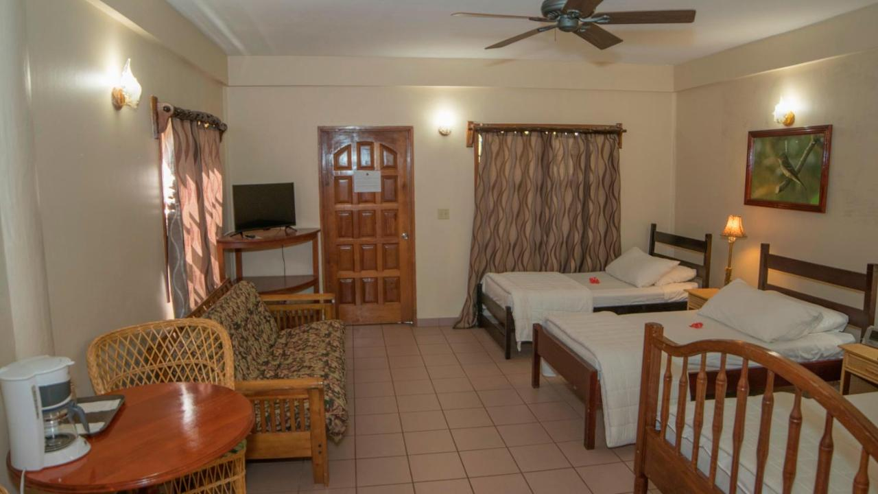 Hotels In Tropical Park Belize Province