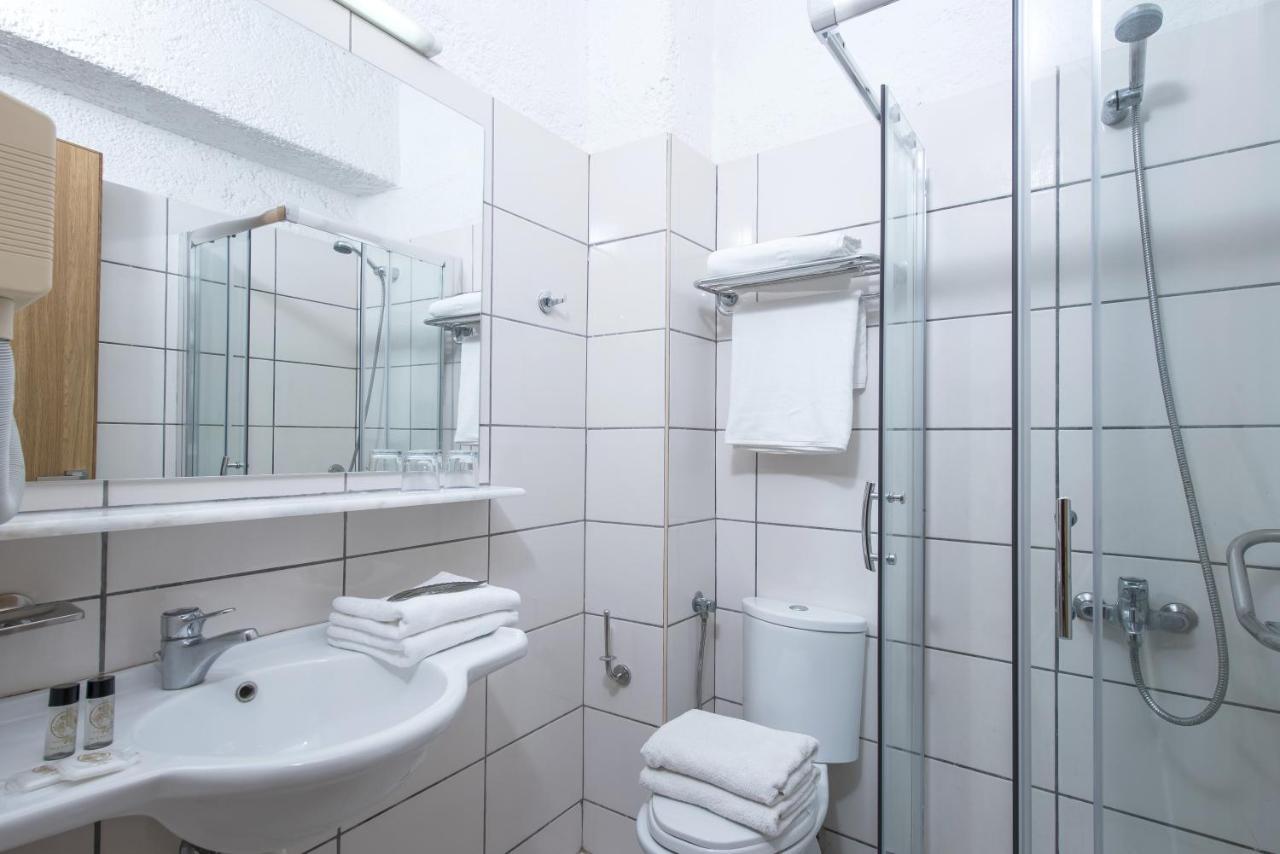 Unique Dominus Bathroom Accessories Images - Inspiration Bathrooms ...