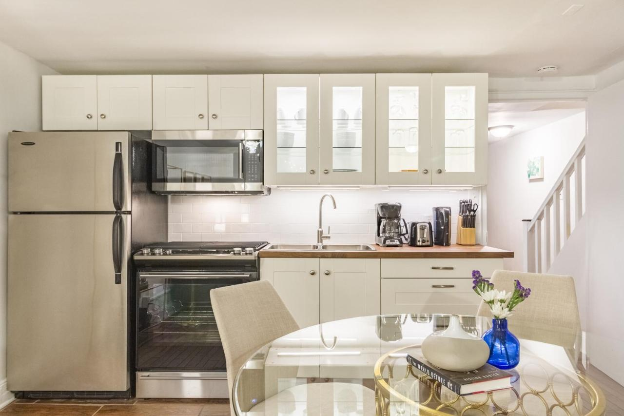 Apartment One-Bedroom on East 62nd Street, New York City, NY ...