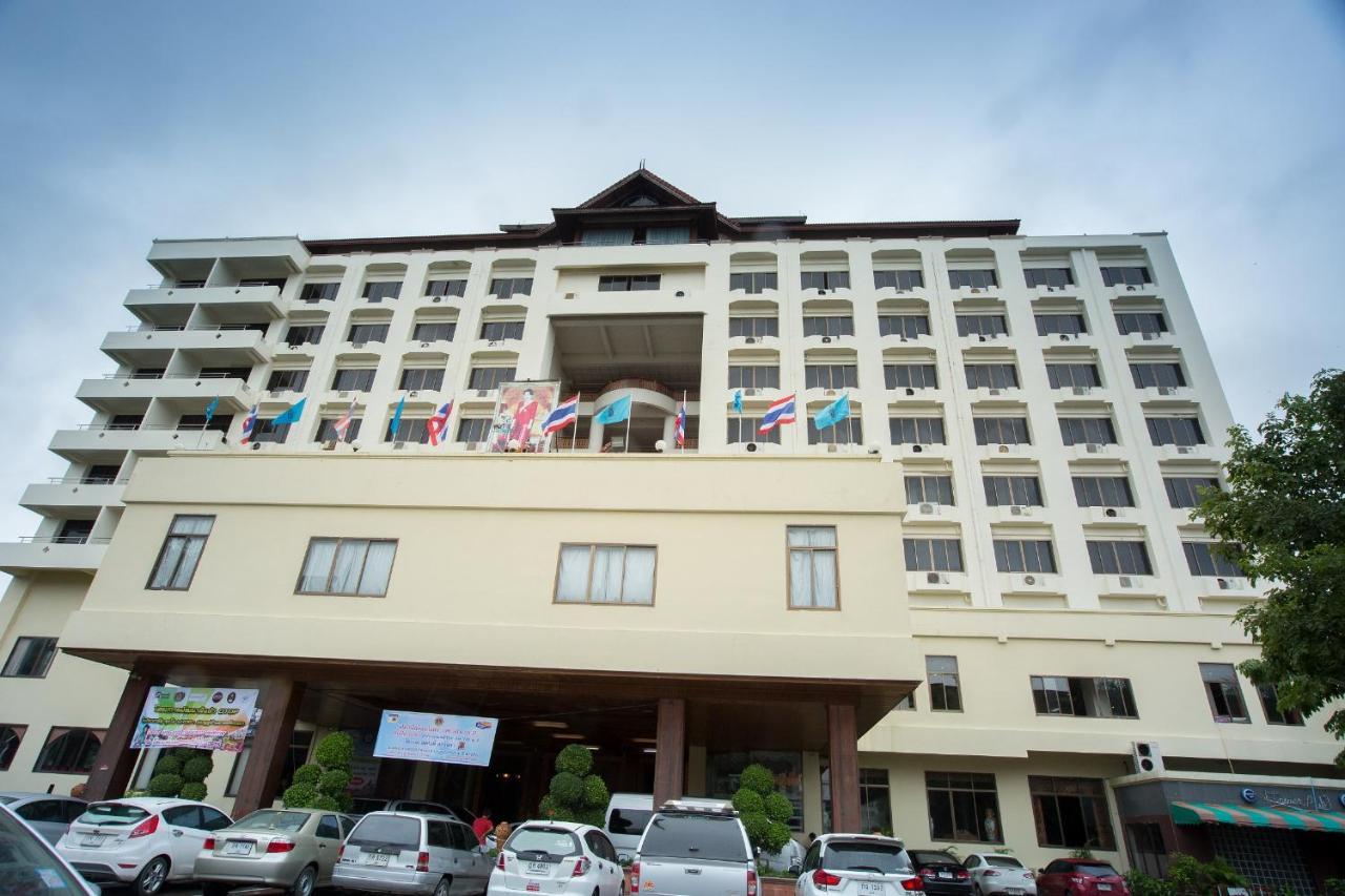 Hotels In Ban Phae Mai Phrae Province