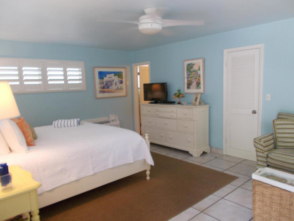 Hotels In Sunset Point Florida