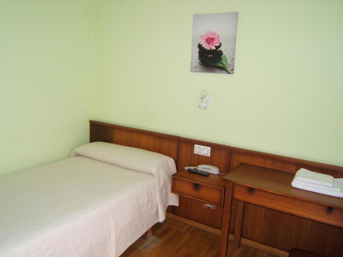 Hotels In Peares Galicia