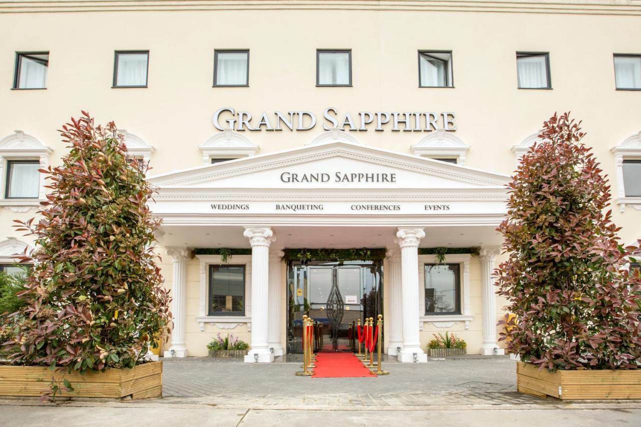 Grand Sapphire Hotel & Banqueting, Croydon, UK - Booking.com