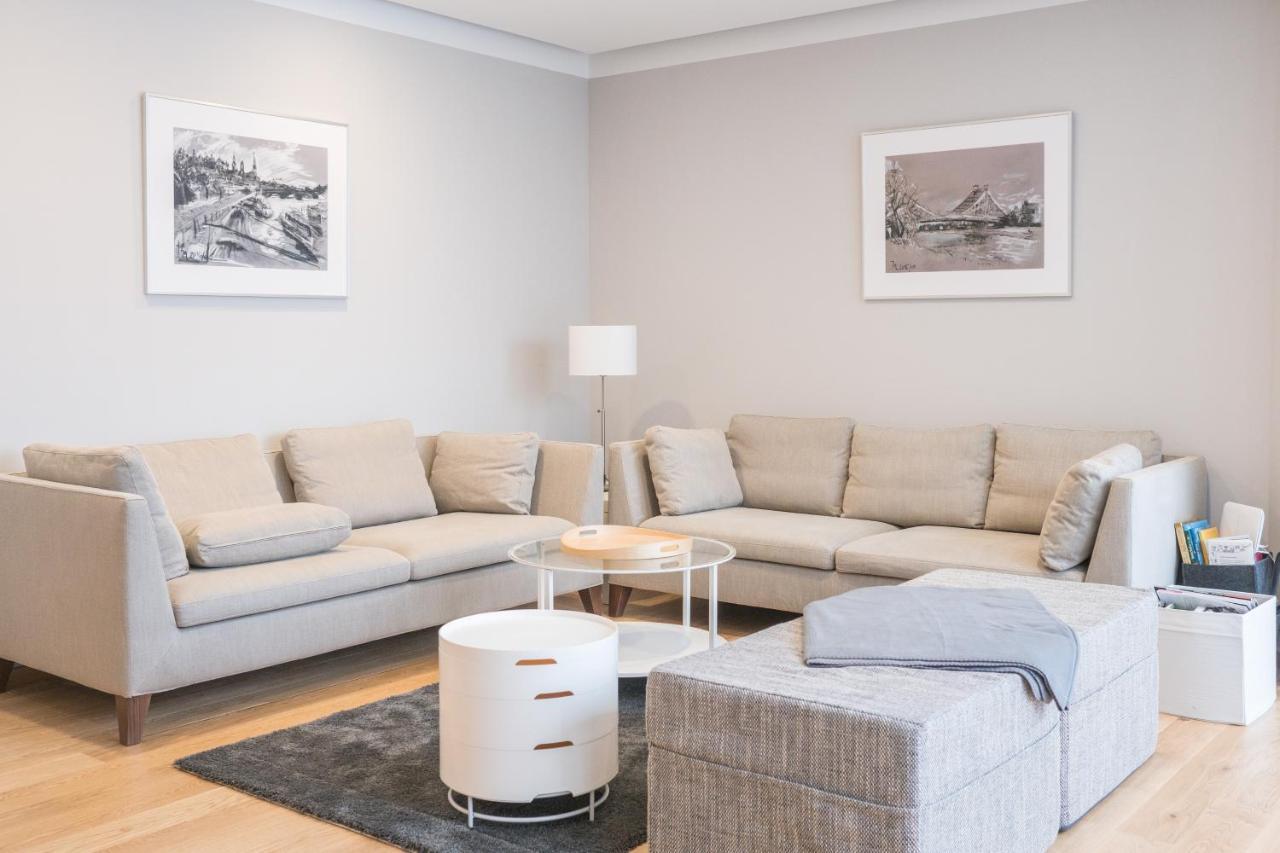 Bemerkenswert Hellblaues Sofa Beste Wahl Apartment Schone Wohnung Am Dresdner Zwinger, Dresden,