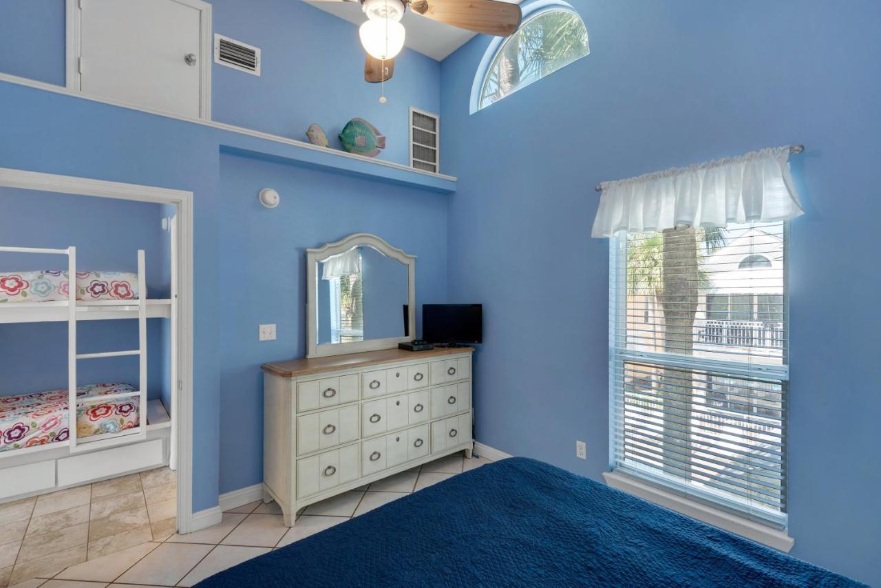 wyndham rentals nantucket vacation view destin cottages gallery unit fl rainbow florida