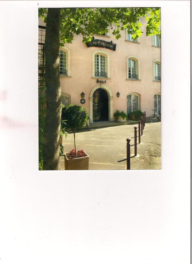 Hotels In Vallabrègues Languedoc-roussillon