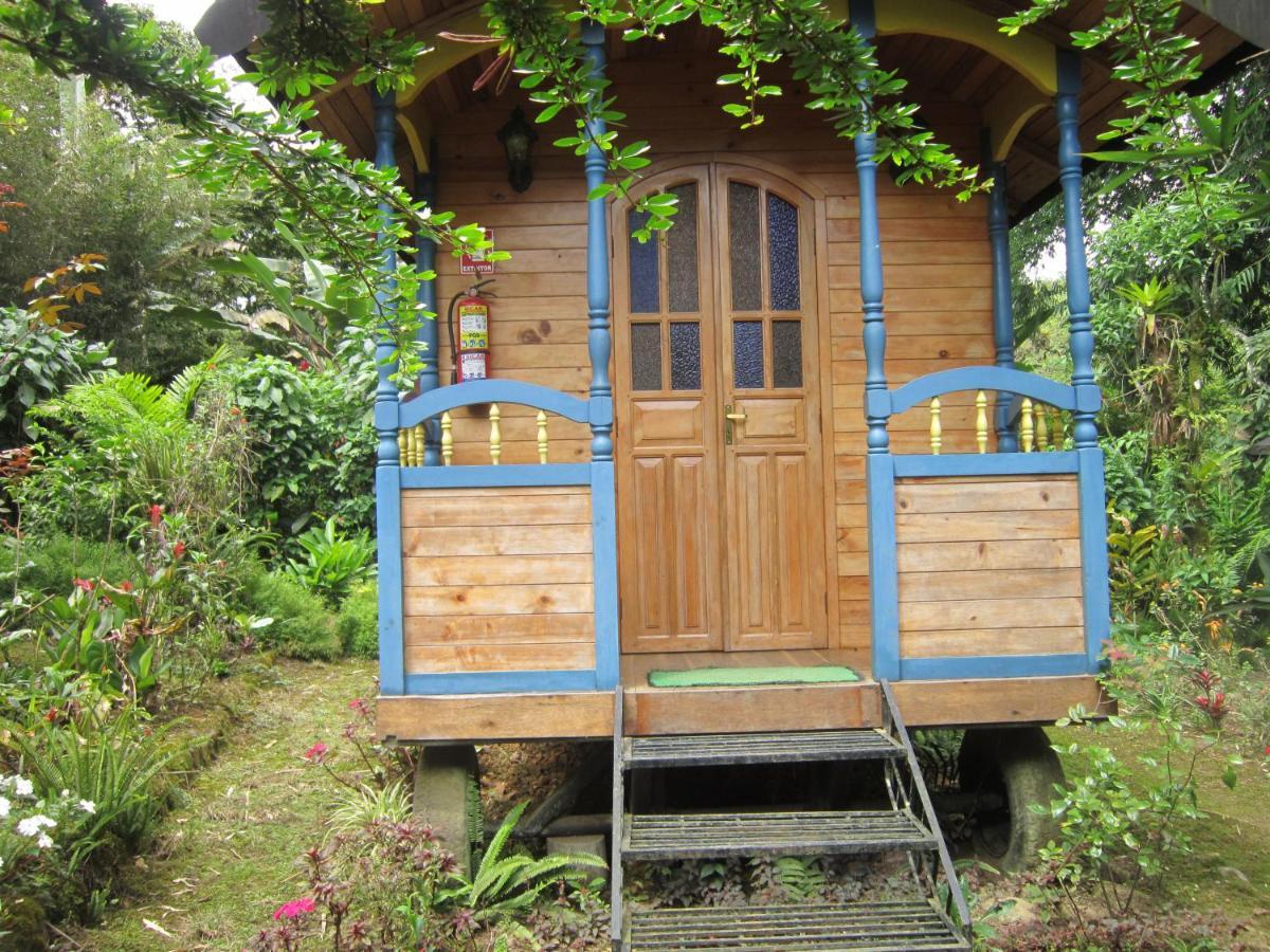 Hosteria La Roulotte - Mindo a34e0f06759