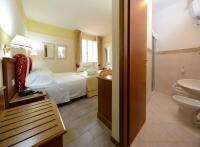 Hotel terme bagni di lucca italien bagni di lucca booking