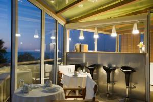 Ресторан / где поесть в Seafalios