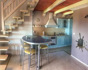 A kitchen or kitchenette at Novalja Zrce Apartment II