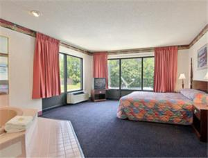Picture of Days Inn - Sanford