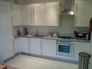 A kitchen or kitchenette at Access Euston