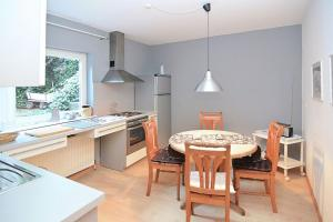 A kitchen or kitchenette at Ambiente