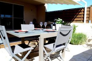Maison de camargue terrasse et barbecue aigues mortes for Maison de camargue