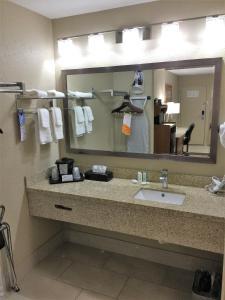 Picture of Quality Inn & Suites Alamogordo