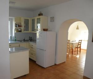 Kuhinja oz. manjša kuhinja v nastanitvi Idyllic place near Cerknica Lake