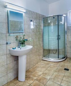 Ένα μπάνιο στο San Lazzaro