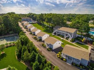 Picture of Colonial Shores Resort