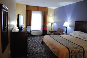Picture of Days Inn and Suites - Prattville