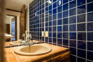 A bathroom at Casa Del Sol