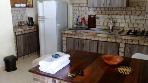 A kitchen or kitchenette at Aguasclaras Residencial