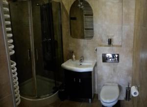 A bathroom at Apartament w Villa Marea
