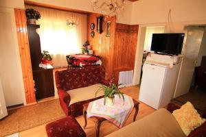 Zona de estar de Zsuzsanna Apartmanház