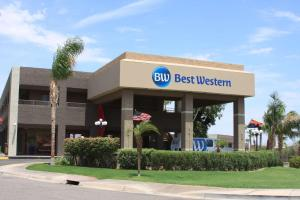 Picture of Best Western InnSuites Yuma Mall Hotel & Suites