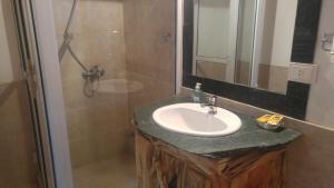 A bathroom at Iñhué