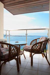 A balcony or terrace at Apart Hotel Ofir